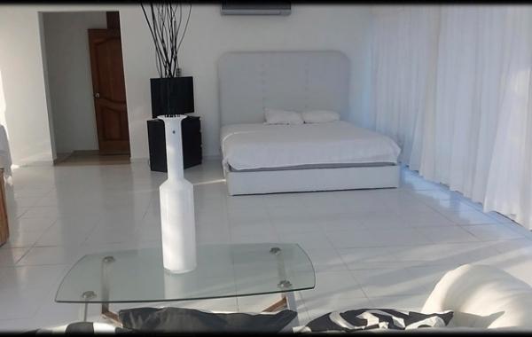 En Venta Villa con Pequeña Playa Privada en Cumayasa SPM
