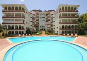 En Venta Hermoso Apartamento Frente a la Playa en ABDIMAR- Juan Dolio