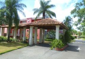 En venta Apartamento en Las Brisas Guavaberry Golf & Country Club